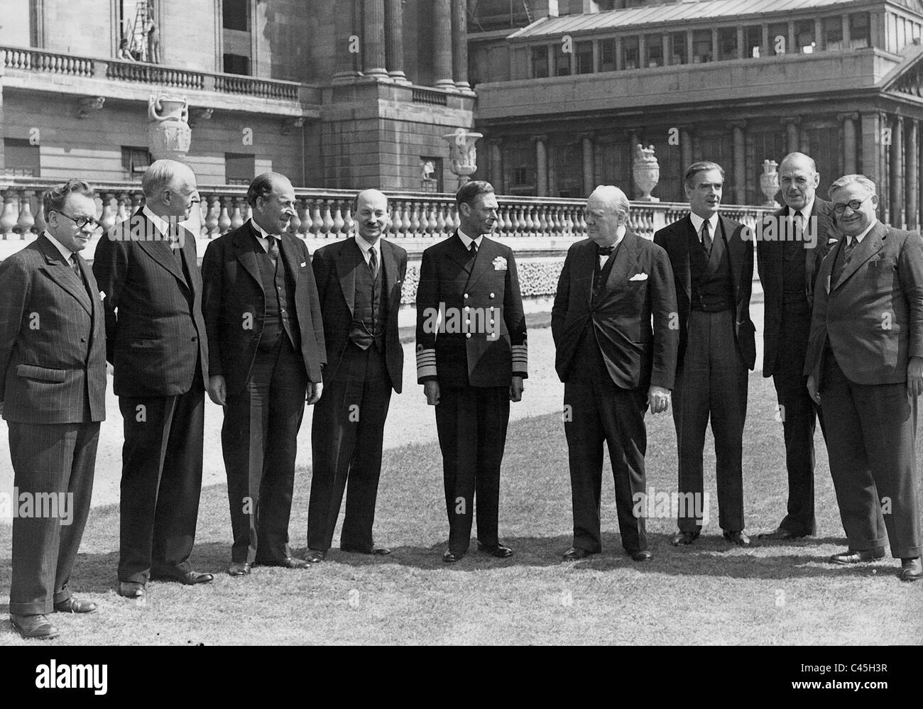 Winston Churchill with his Cabinet and King George VI., 1944 - Stock Image