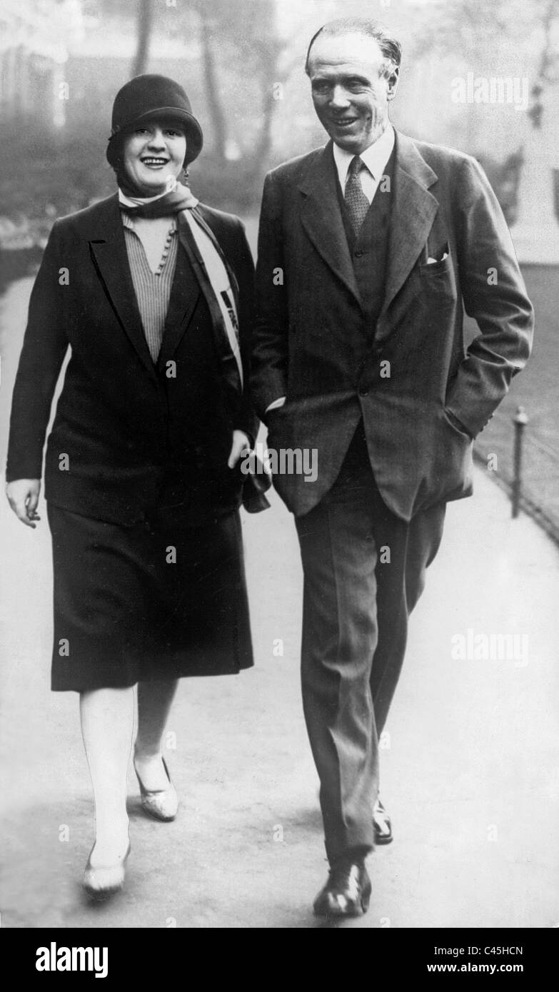 Sinclair Lewis and Dorothy Thompson in London, 1930 - Stock Image
