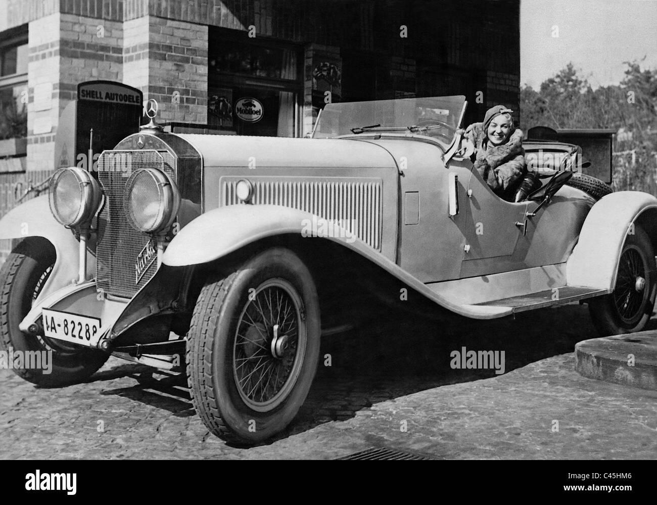 Gitta Alpar in her Mercedes-Benz sports car, the model 'Nuerburg 8', 1932 - Stock Image
