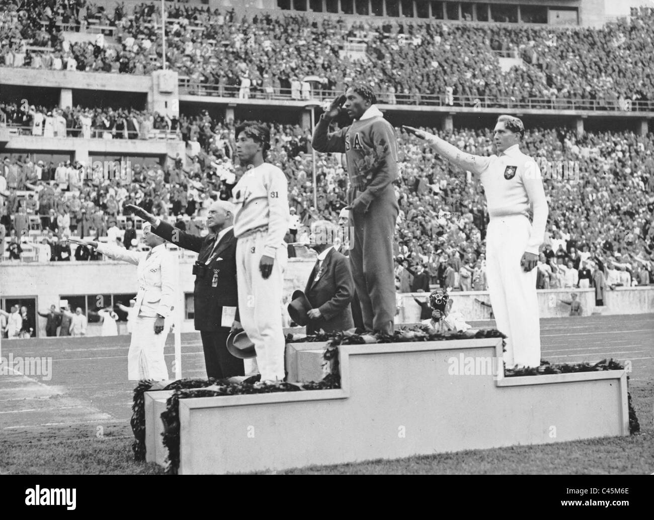 Long Jump Black and White Stock Photos & Images - Alamy