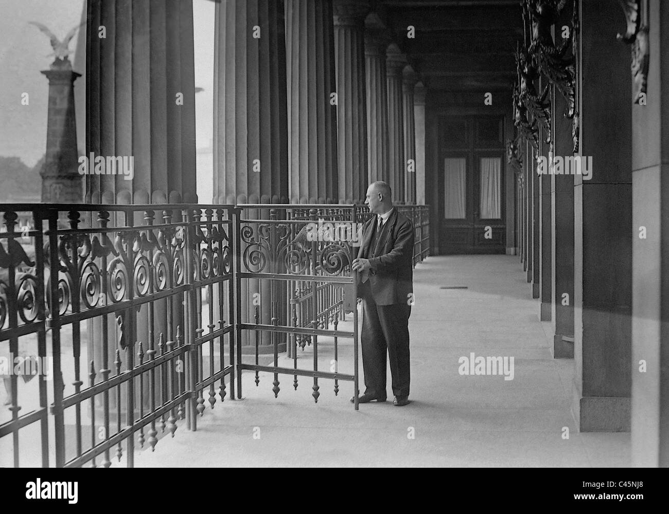 Colonnade of the closed Berlin Stock market during the Great Depression, 1931 - Stock Image