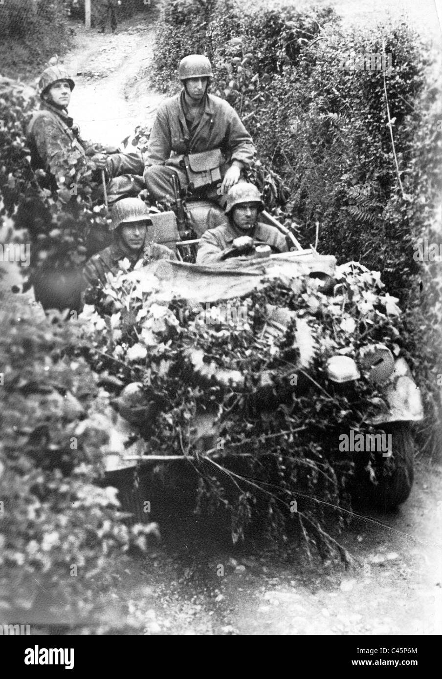 German patrol on the Western Front, 1944 - Stock Image