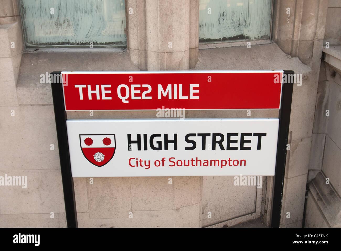 The QE2 Mile High street sign Southampton Hampshire UK - Stock Image