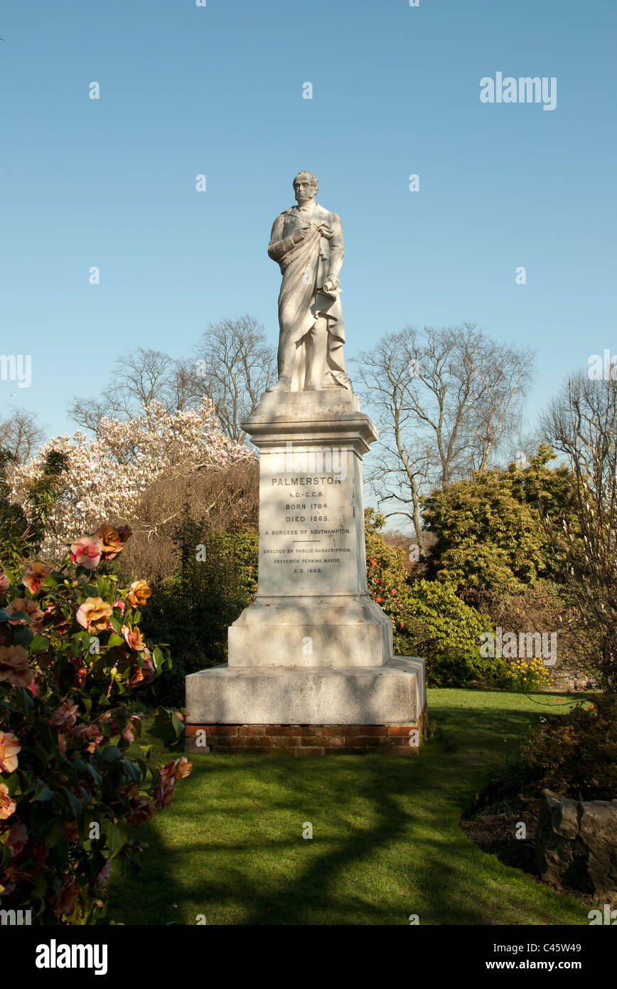 Statue of Palmerston in Palmerston Park Southampton Hampshire UK - Stock Image