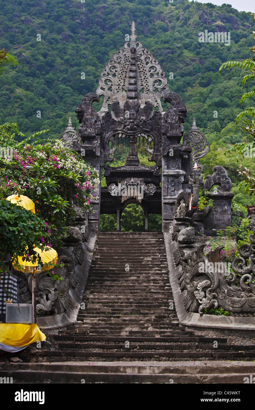 Entrance of PURA MELANTING a Hindu temple located in a beautiful agriculture valley near PEMUTERAN - BALI, INDONESIA - Stock Image