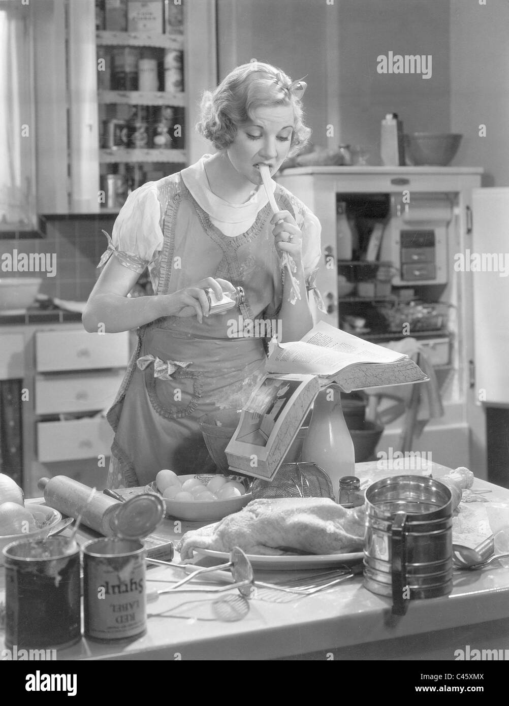 Watch Una Merkel video