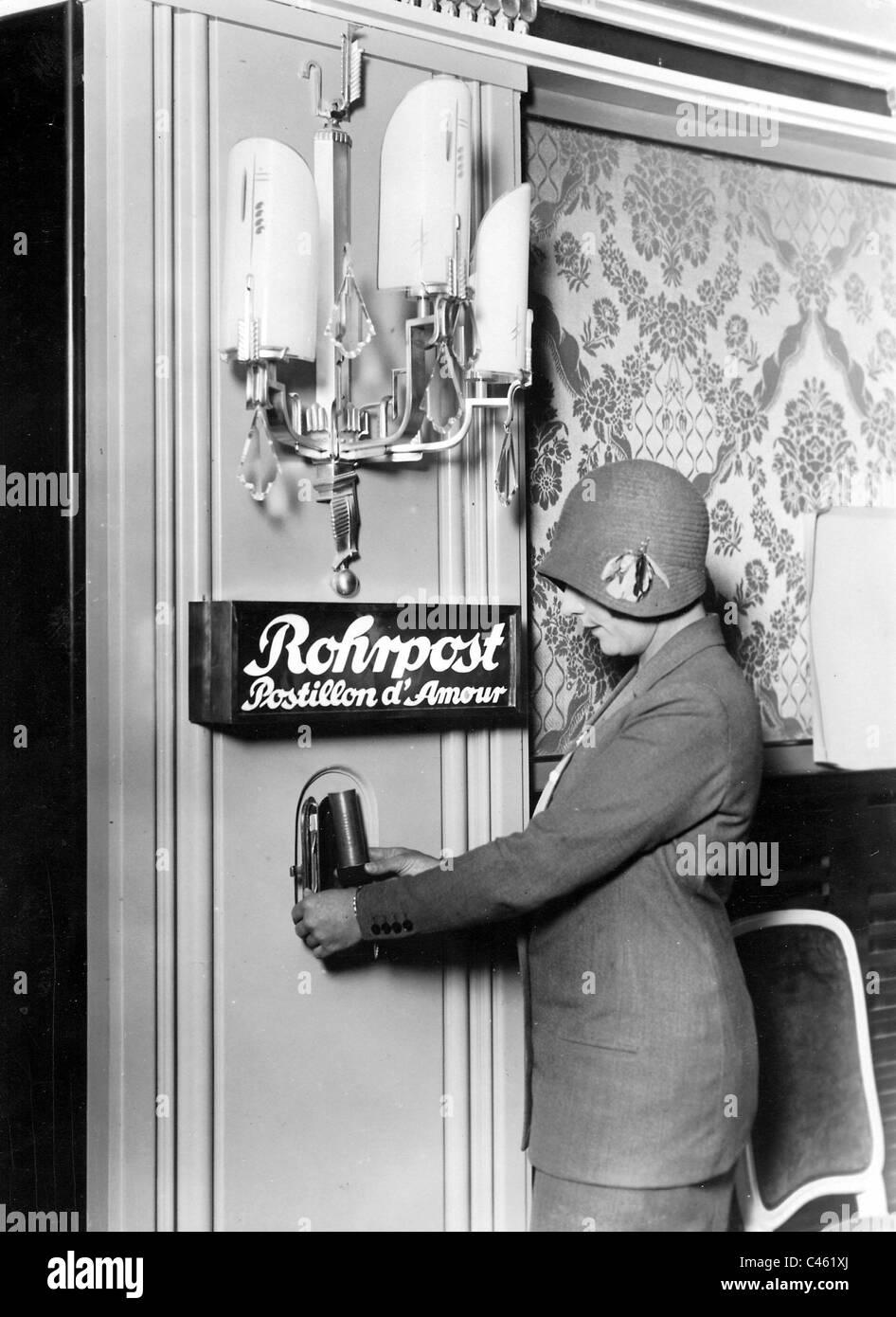 Pneumatic tube in a night club in Berlin, 1929 - Stock Image