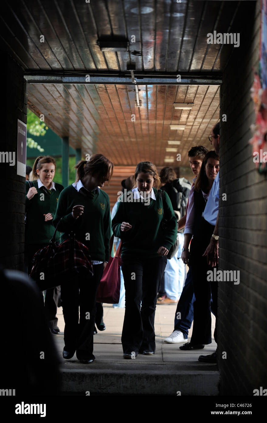 Pupils at a secondary school UK - Stock Image