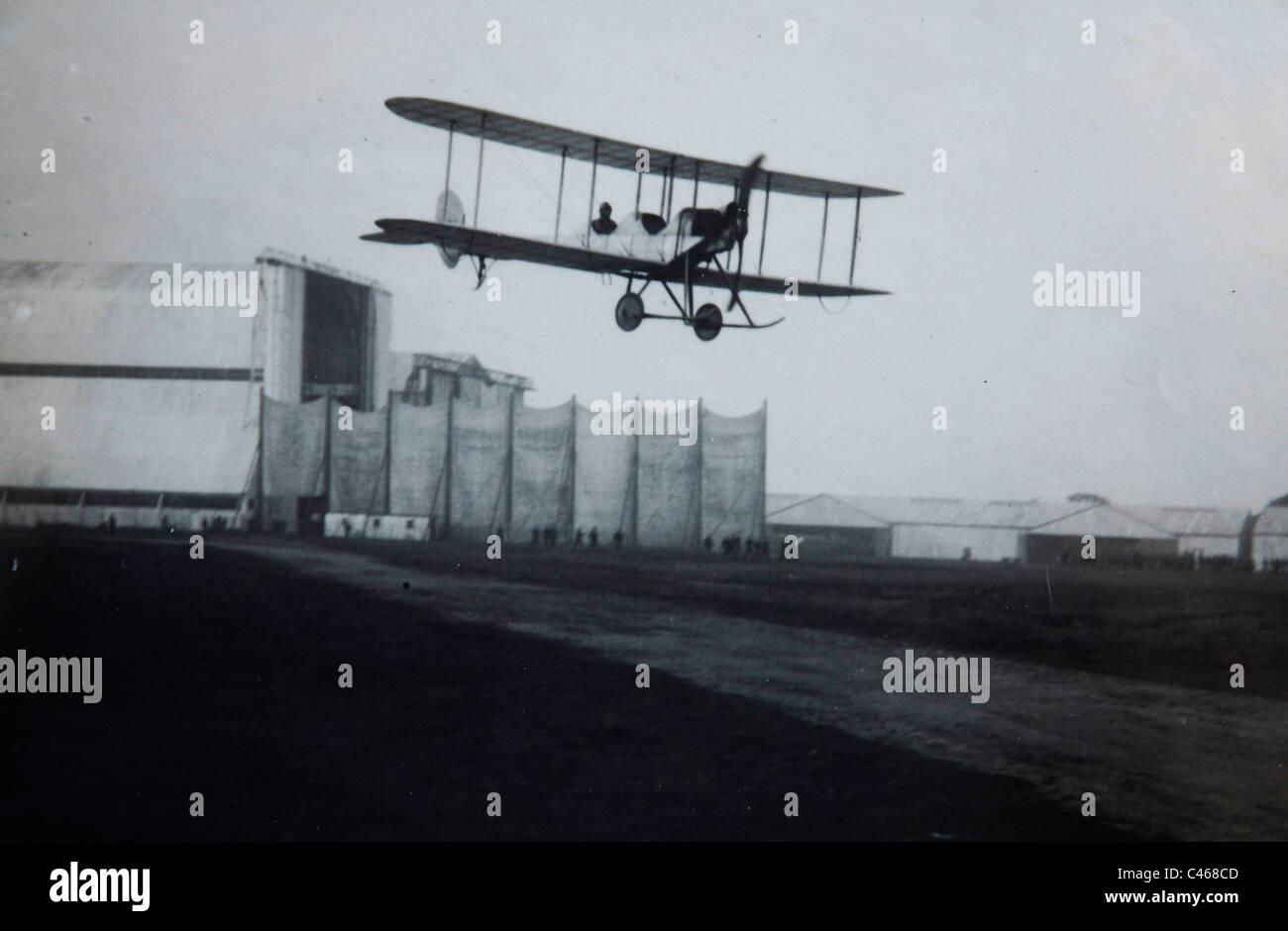 A Be-2 bomber over Larkhill Aerodrome, Wiltshire in 1914. - Stock Image