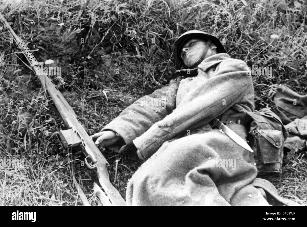 Second World War: Dead soldiers of the Red Army on the Eastern Front - Stock Image
