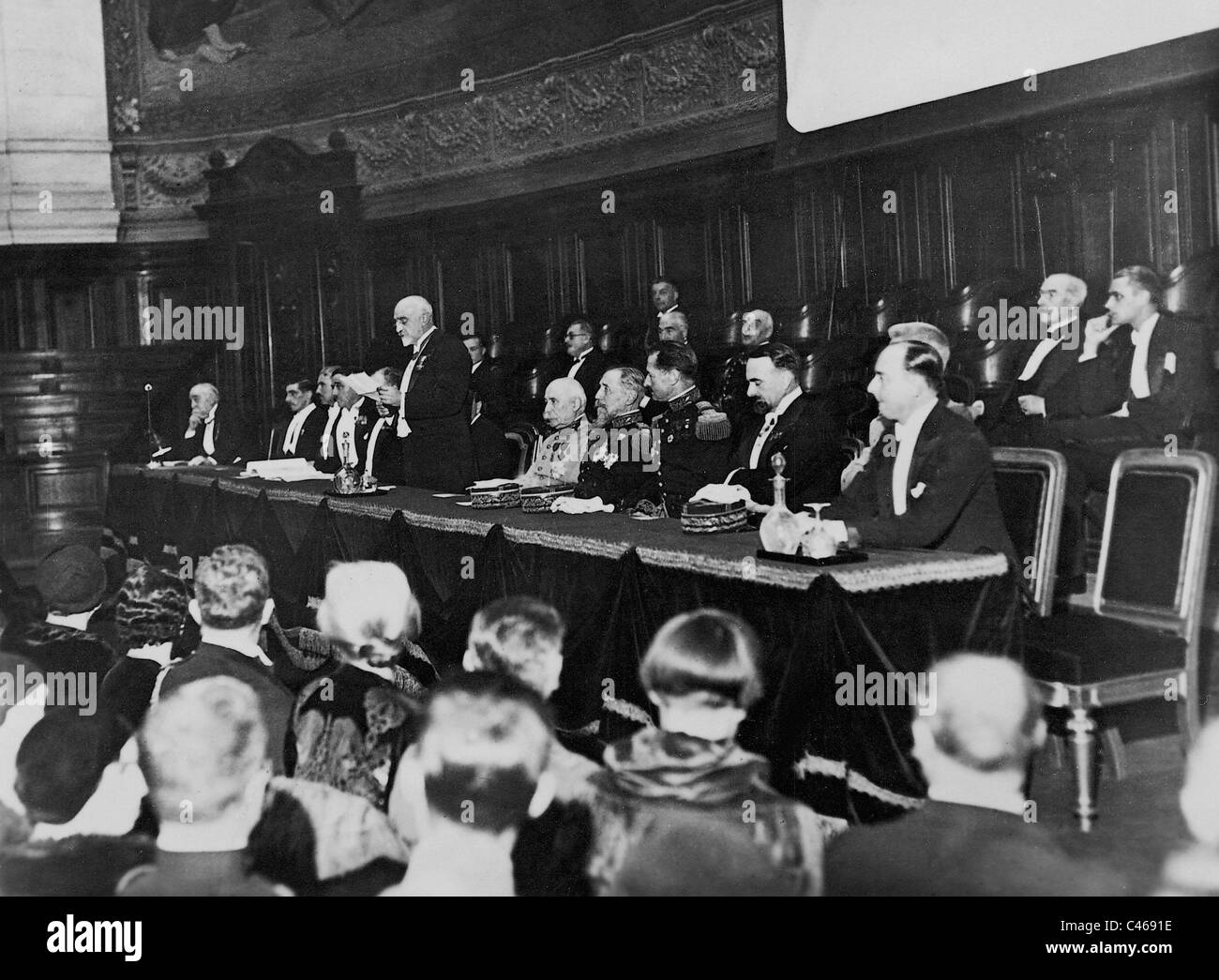 Henri Philippe Petain and Henri Gouraud in the Sorbonne in 1933 - Stock Image