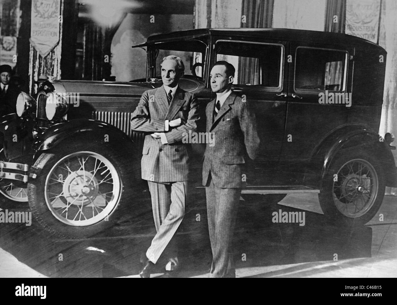 research paper henry ford Between 1910 and 1919, henry ford reduced the model t's price from around $800 to $350, solidified his position as the world's greatest automaker, and made himself a billionaire.