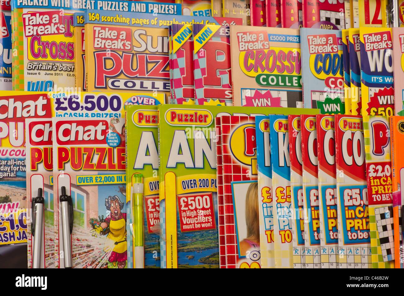 Magazines Shelves Newsagents Stock Photos & Magazines ...