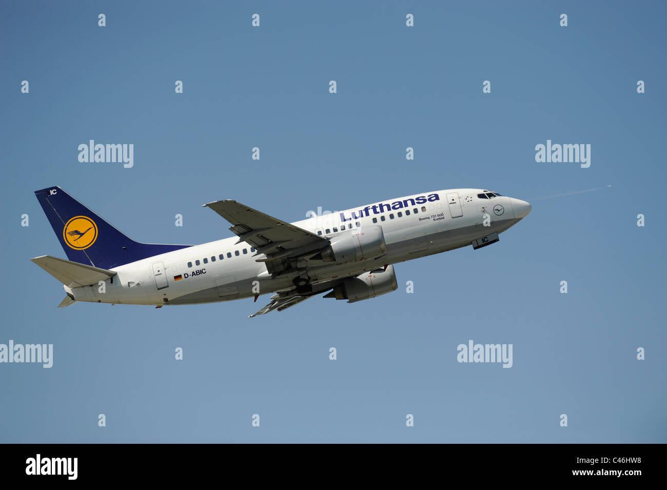 airplane Boeing 737-500 of german airline Lufthansa at take