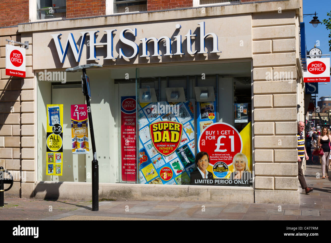 WH Smith shop in Worcester town centre - Stock Image