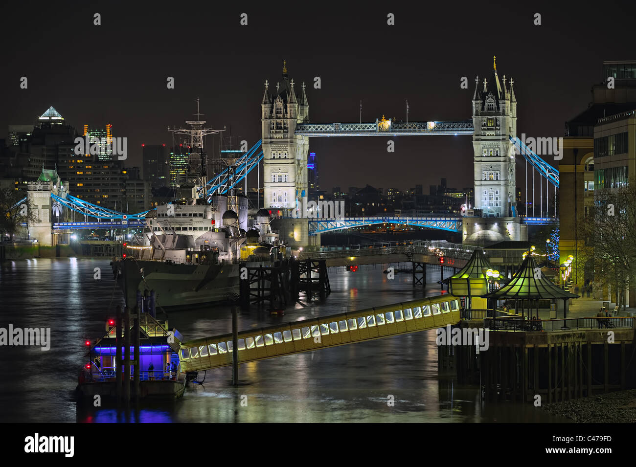 Upper Pool of London, River Thames, England, UK, Europe, at night - Stock Image