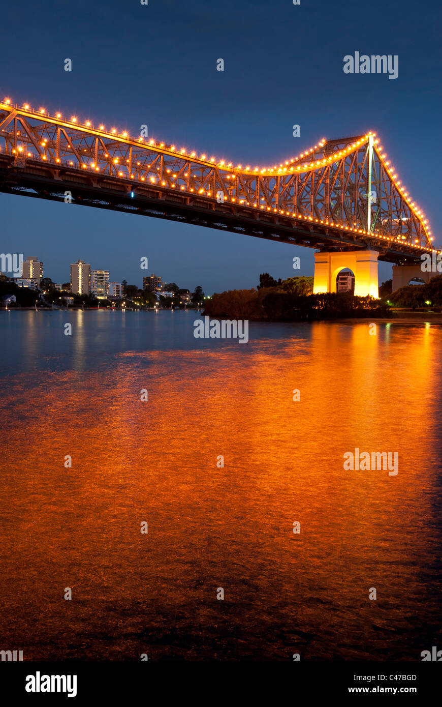 Story Bridge Brisbane at night - Stock Image
