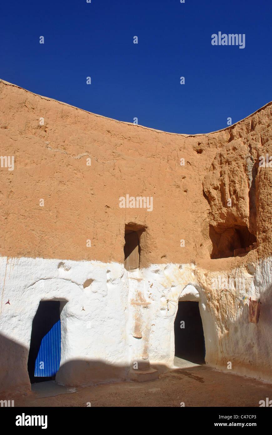 Troglodyte pit dwelling near Matmata, Tunisia - Stock Image