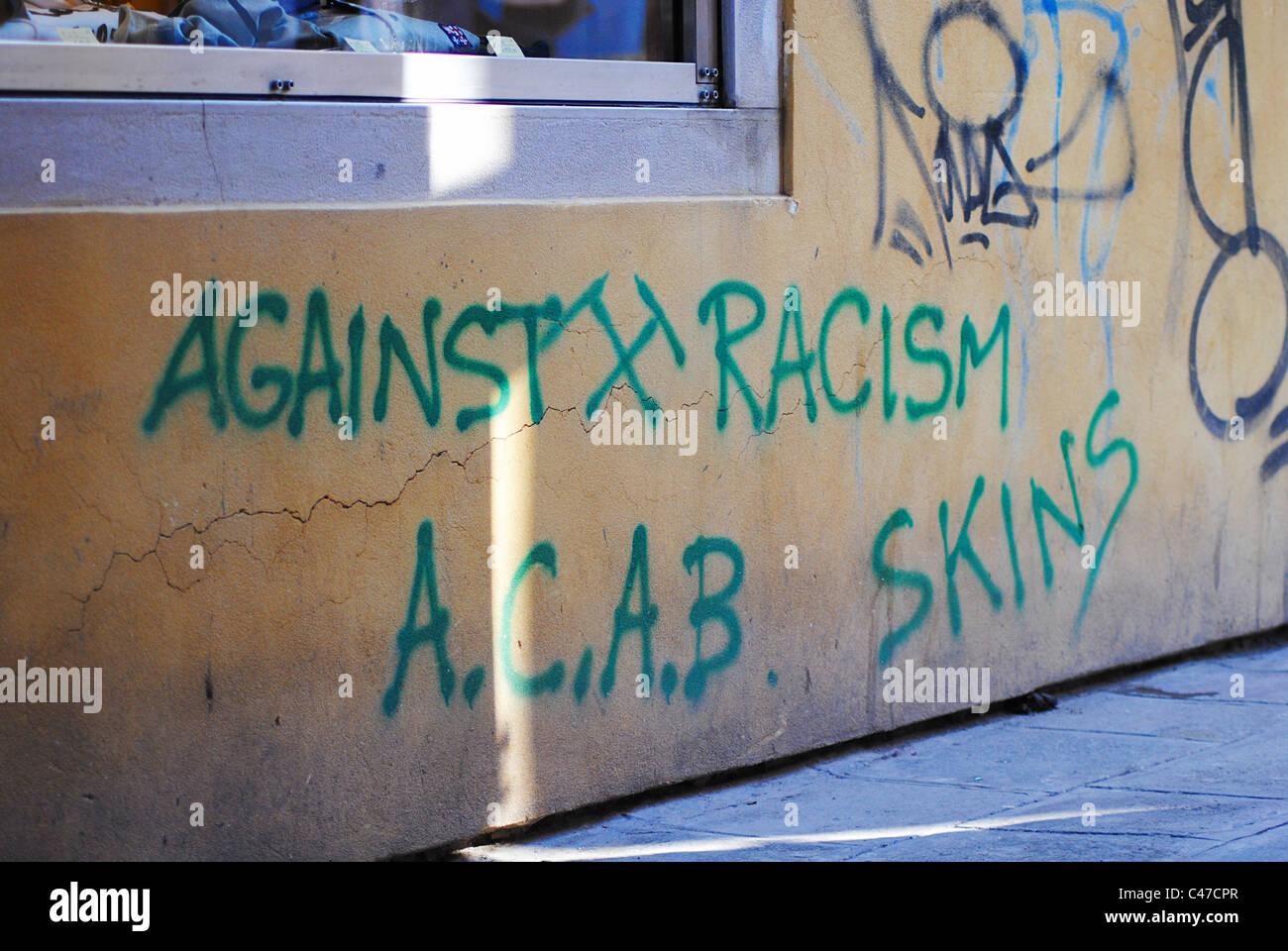 Anti-racist graffiti in Venice, Italy Stock Photo