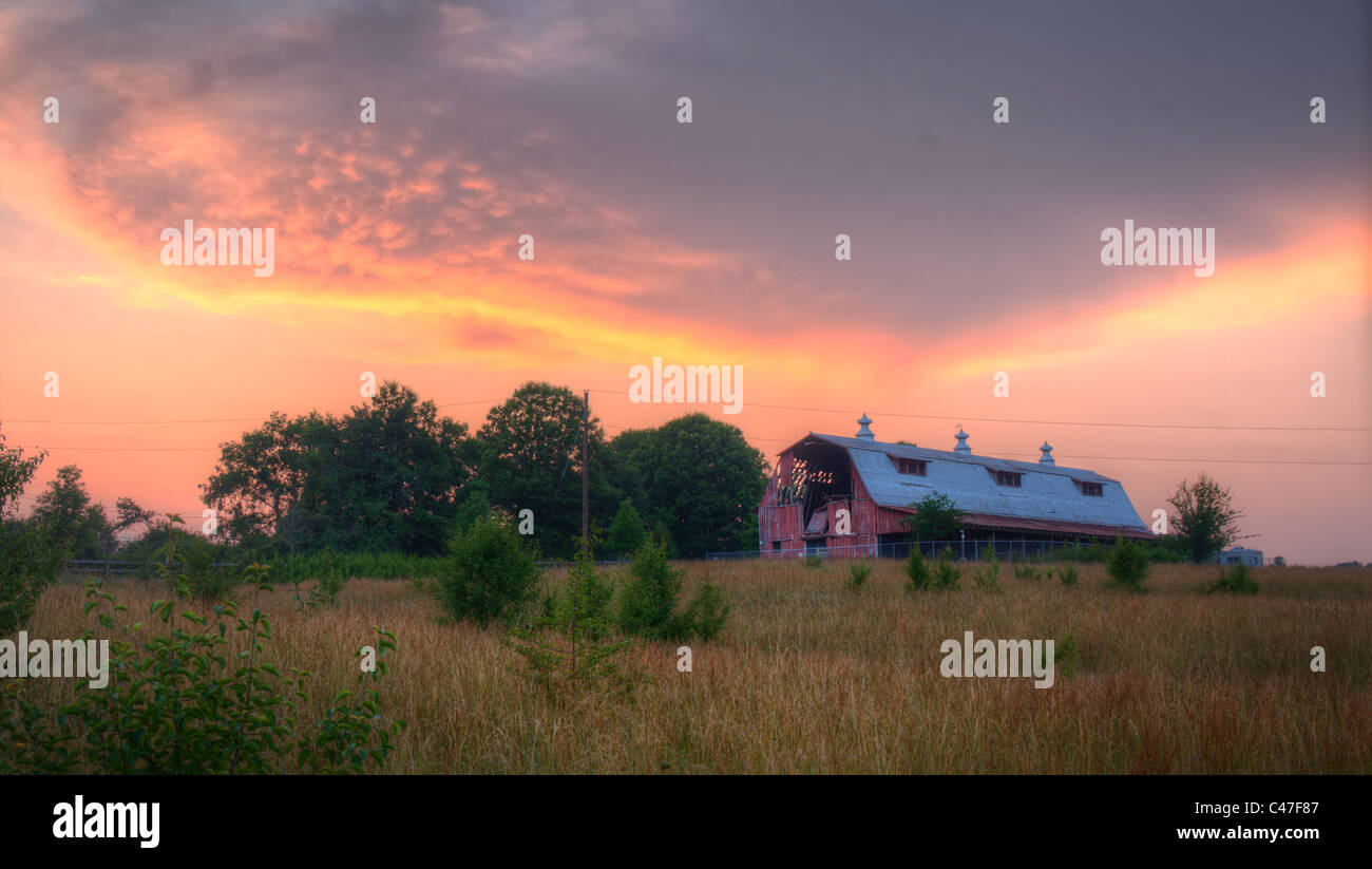 Old barn on an old farm - Stock Image