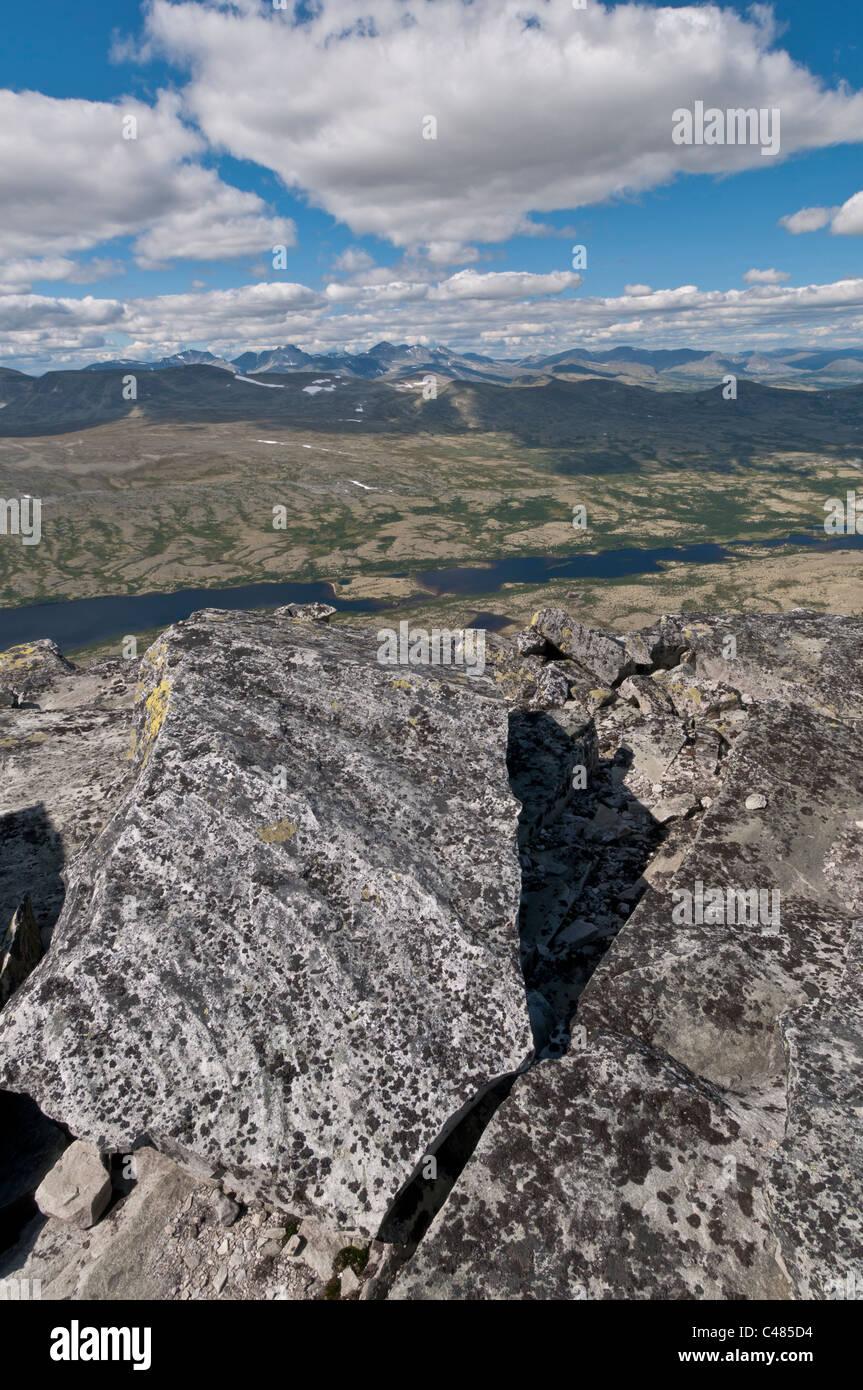 Blick ueber das Alvdal Vestfjell, Hedmark, zu Gipfeln im Rondane Nationalpark, Oppland, Norwegen Stock Photo