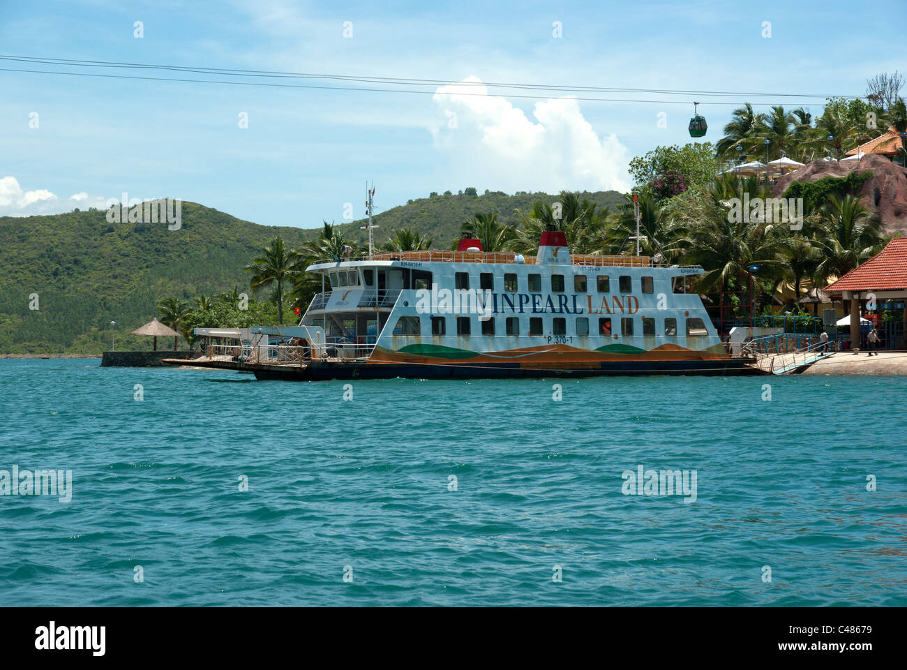 Ferry transporting visitors from Nha Trang to Vinpearl, Vietnam - Stock Image