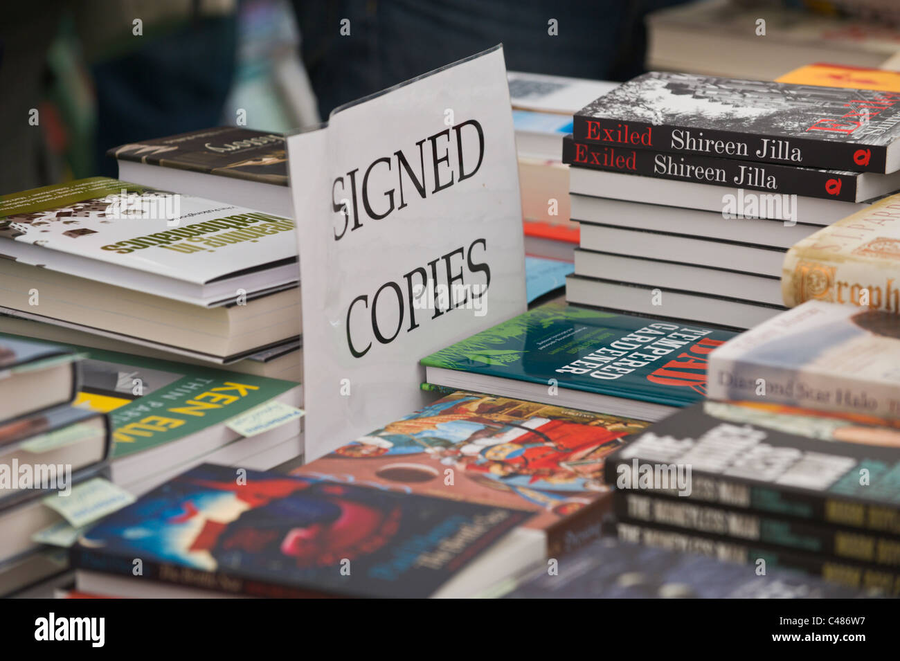 SIGNED COPIES selection of books by festival authors on sale in Pembertons Bookshop at Hay Festival 2011 - Stock Image