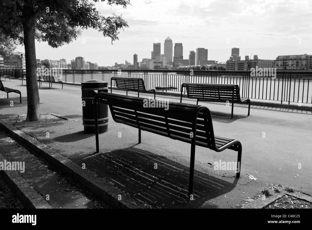 Canary Wharf from King Edward VII Memorial park, Tower Hamlets, London, UK - Stock Image