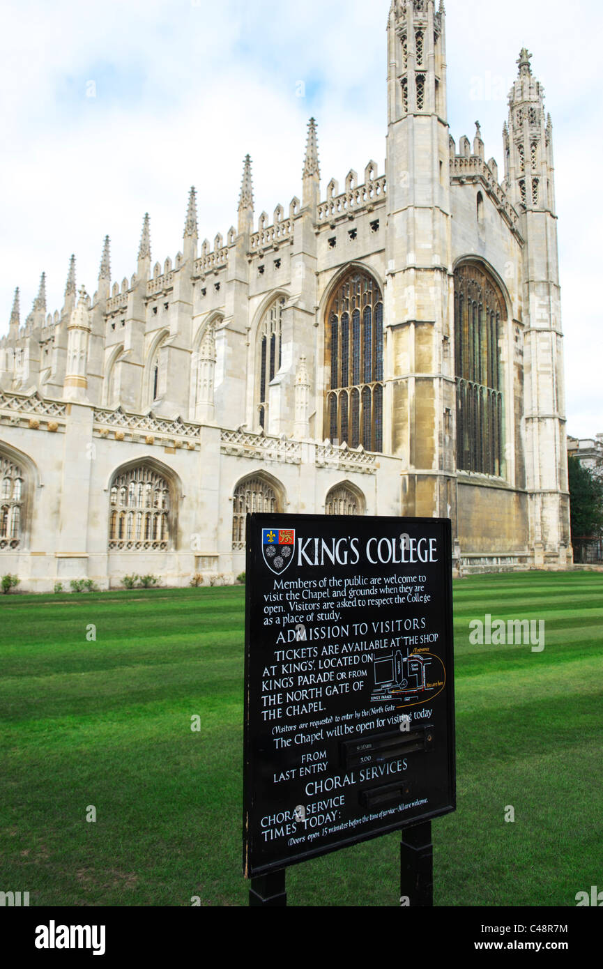 Portrait shot of kings college cambridge, with lush green grass in foreground - Stock Image