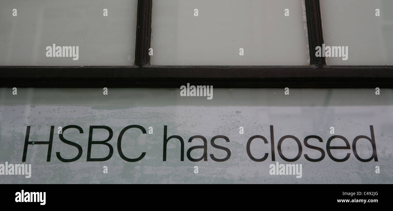 HSBC has closed notice in Fowey Cornwall - Stock Image