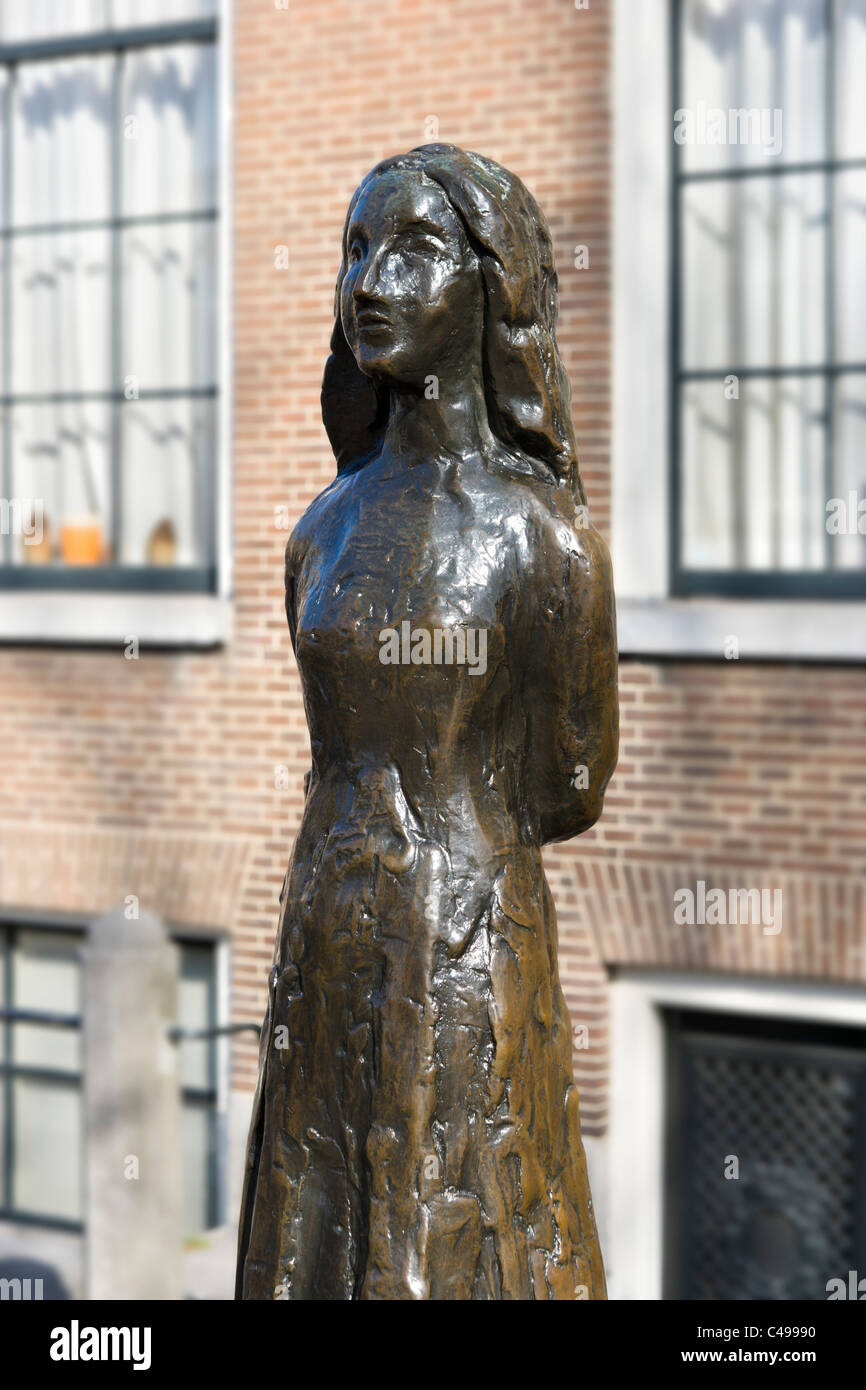 Statue of Ann Frank by Marie Andriessen outside the Westerkerk, Grachtengordel, Amsterdam, Netherlands - Stock Image