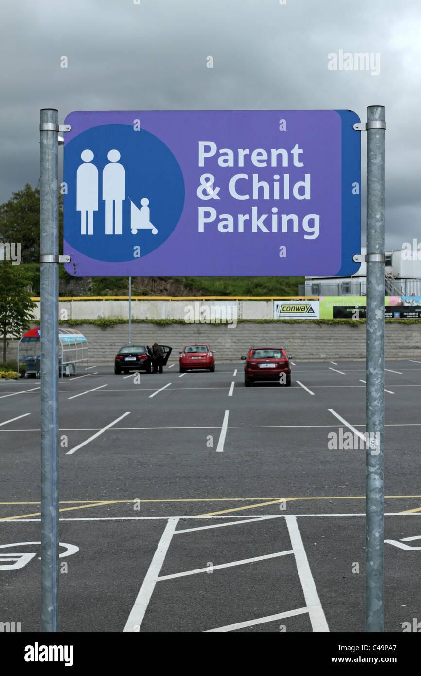 Shopping Centre Parking Sign Stock Photos Amp Shopping