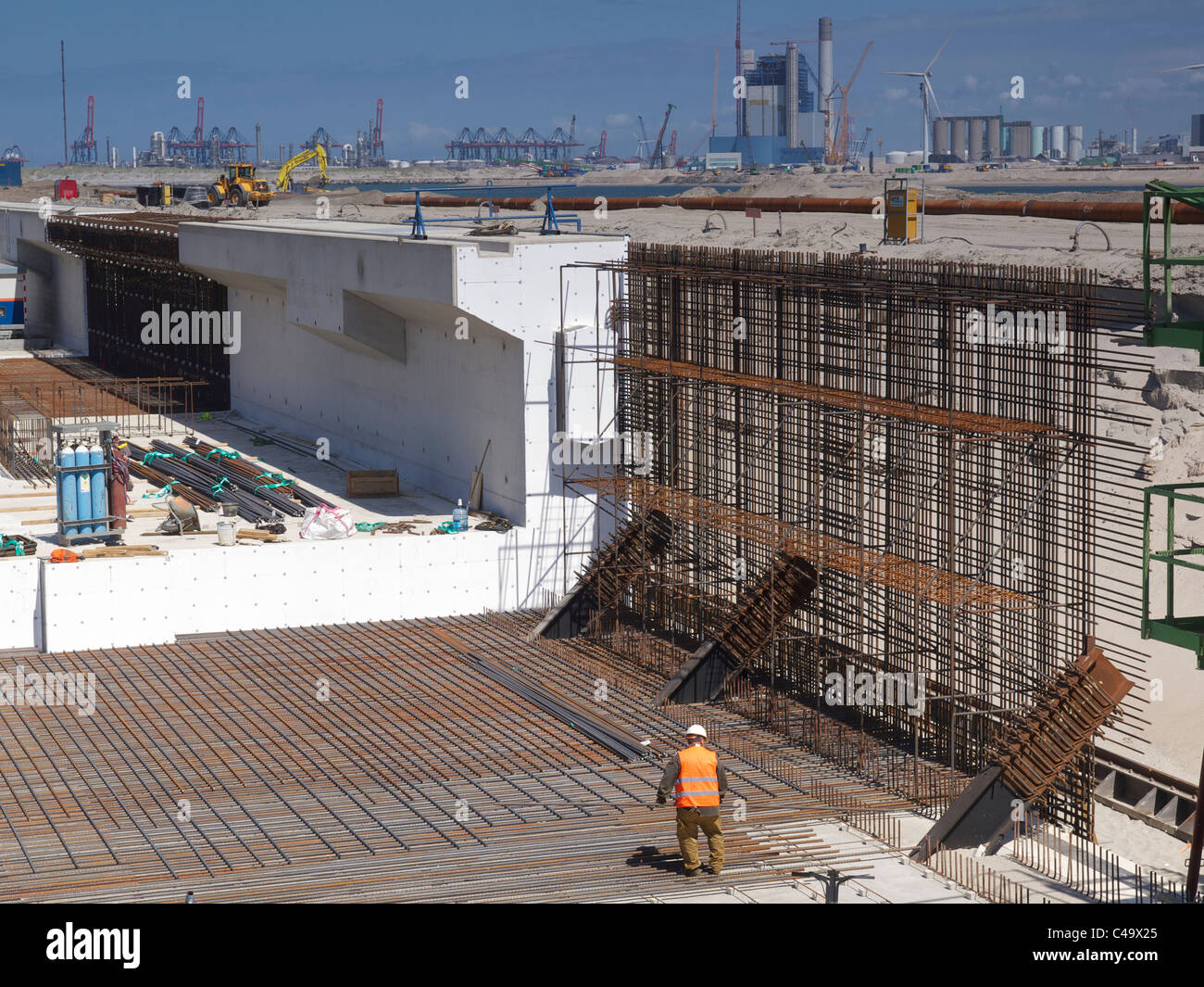 Construction site of the new deep sea port expansion quays at Maasvlakte 2 Rotterdam, the Netherlands - Stock Image