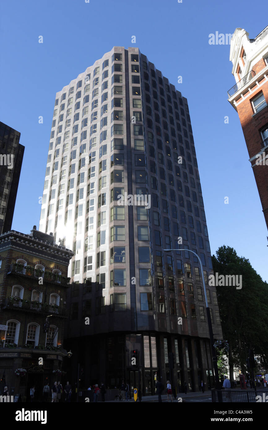Windsor House In Victoria Street Home To Transport For London Stock Photo Alamy