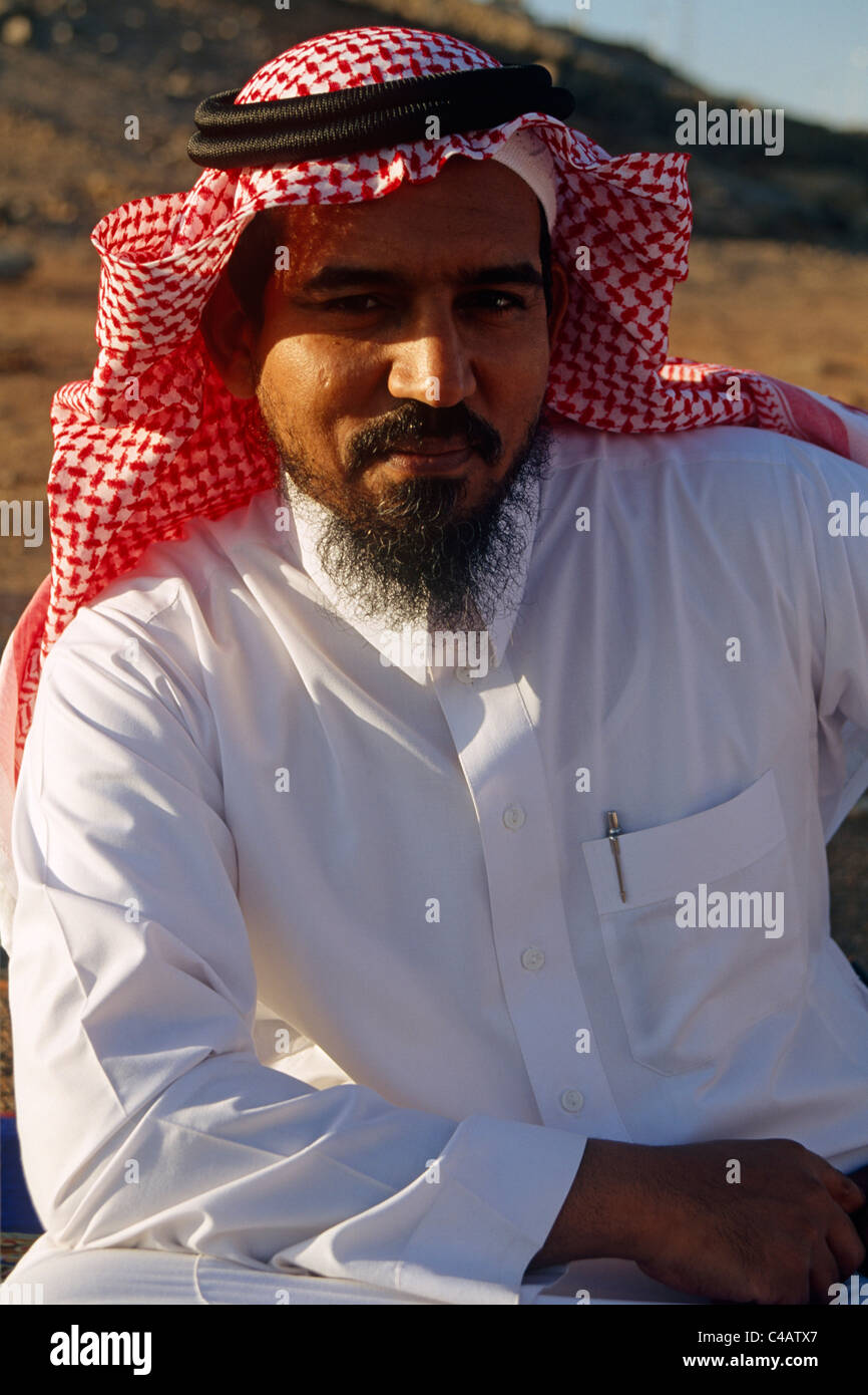 Saudi Arabia.  A Saudi man wearing his traditional clothes - Stock Image