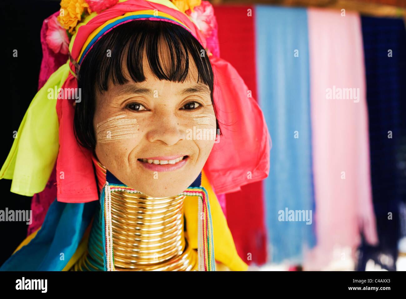 Thailand, Mae Hong Son, Nai Soi. Long-necked Paudang woman at Nai Soi (also known as Nupa Ah). Stock Photo