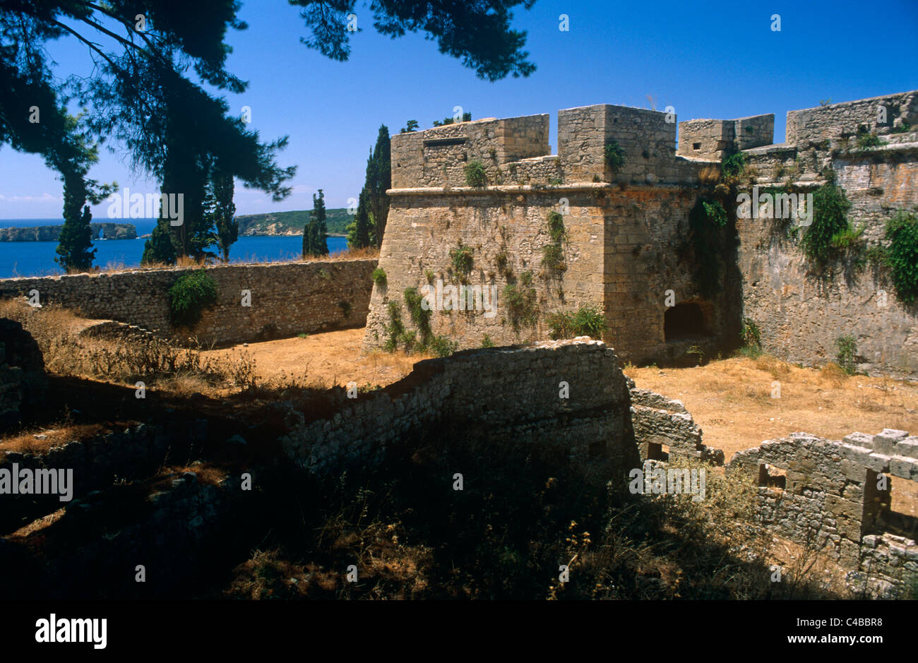 Greece, Peloponnese, Messinia, Pylos. Built by the Turks in the 1570s, Pylos's Neo Kastro, or 'New Castle', - Stock Image
