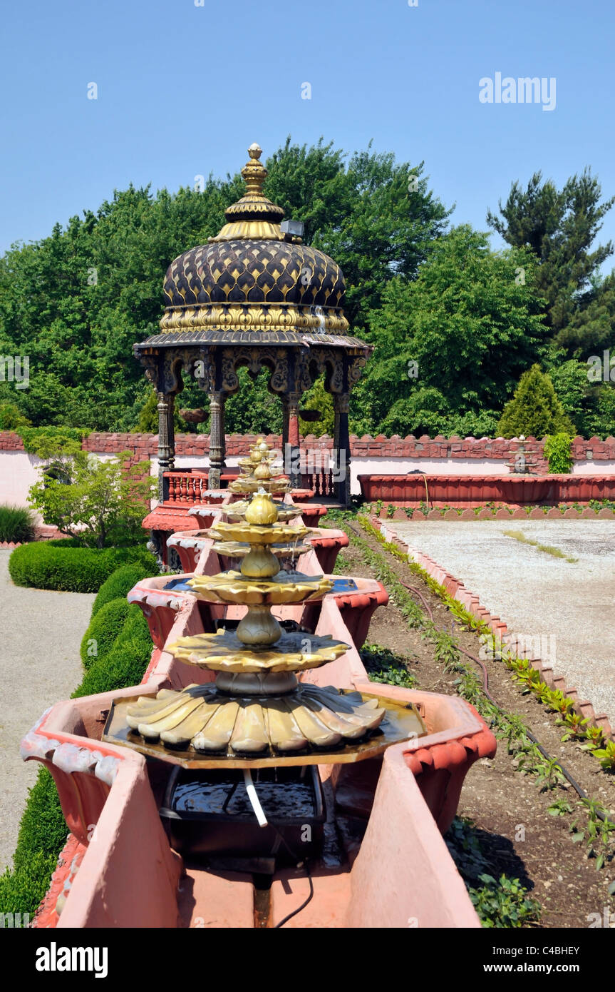 Detail of yard with  pavilion and stone flowers, Palace of Gold, West Virginia,USA - Stock Image
