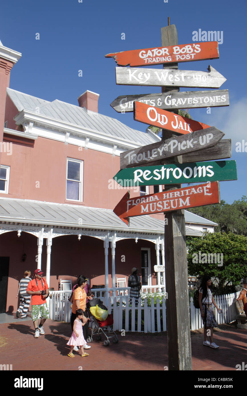 St. Saint Augustine Florida Gator Bob's Heritage Museum trading post souvenirs sign entrance front directional - Stock Image