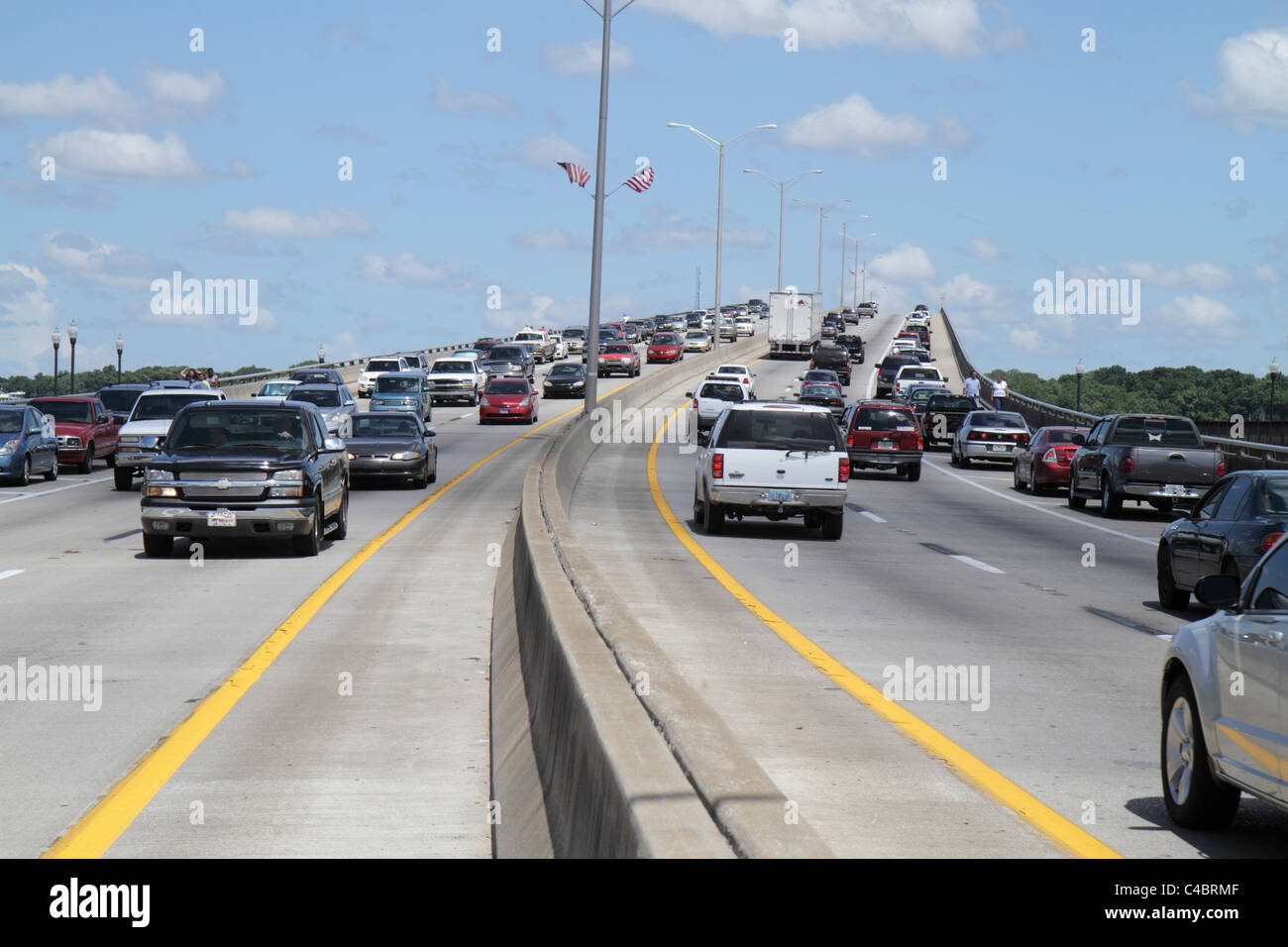Florida Palatka St. John's River Bridge illegally parked vehicles cars traffic - Stock Image
