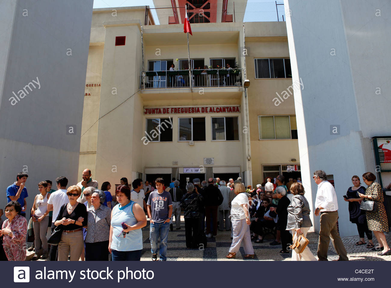 People go to vote in the 2011 General Election in Lisbon, Portugal. - Stock Image