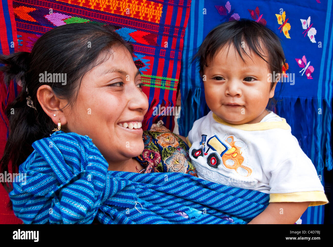 Mayan mother with baby in village near Antigua - Stock Image