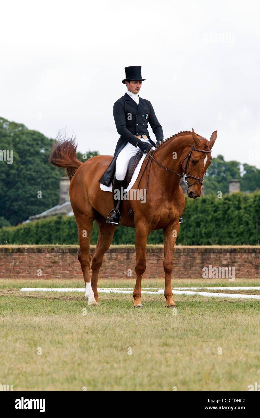 Alberto Giugni on Easy at Houghton horse trials 2011 - Stock Image