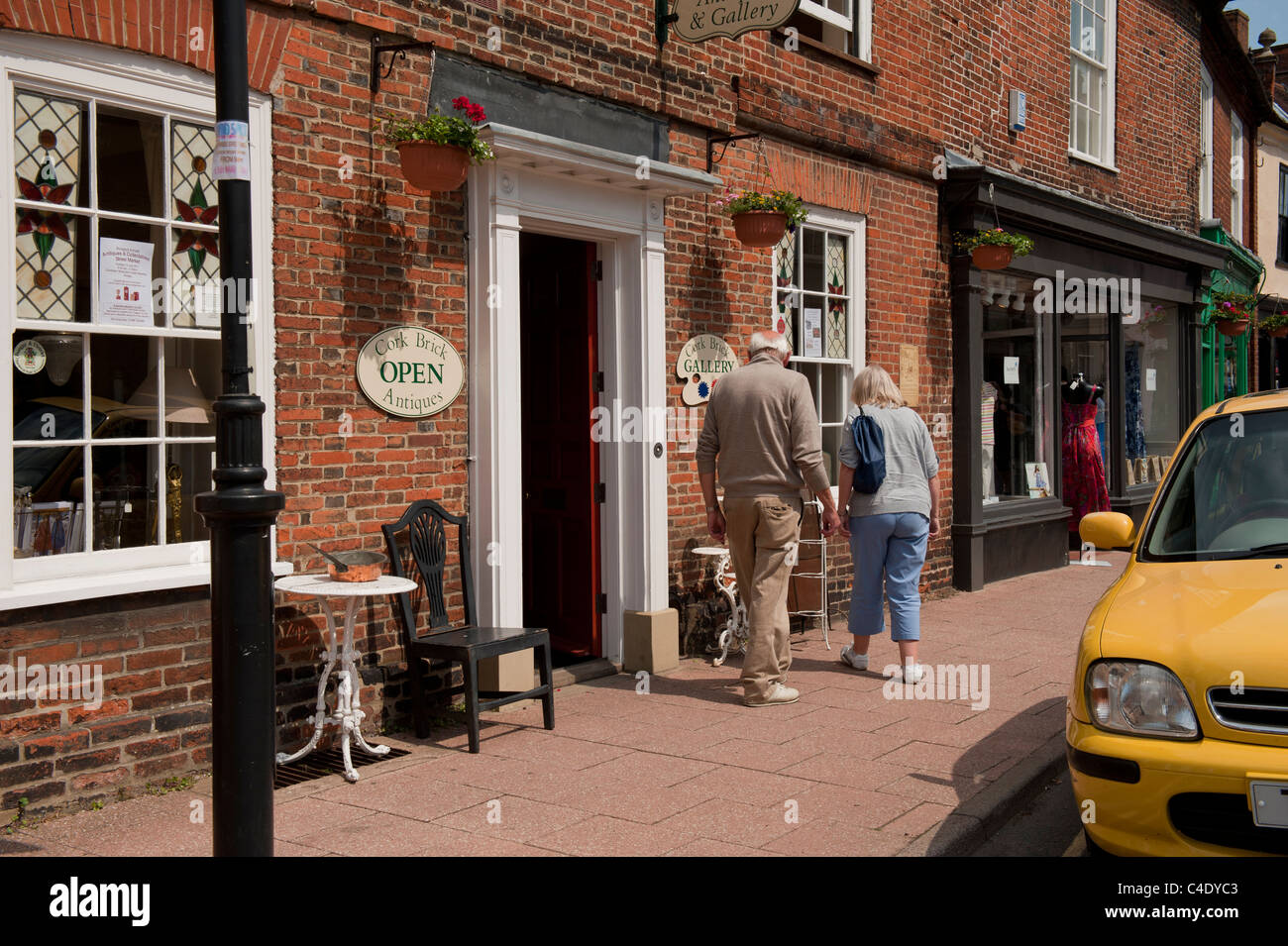 Antique Buyers In Market Town Uk Tourist Attraction Stock Photo