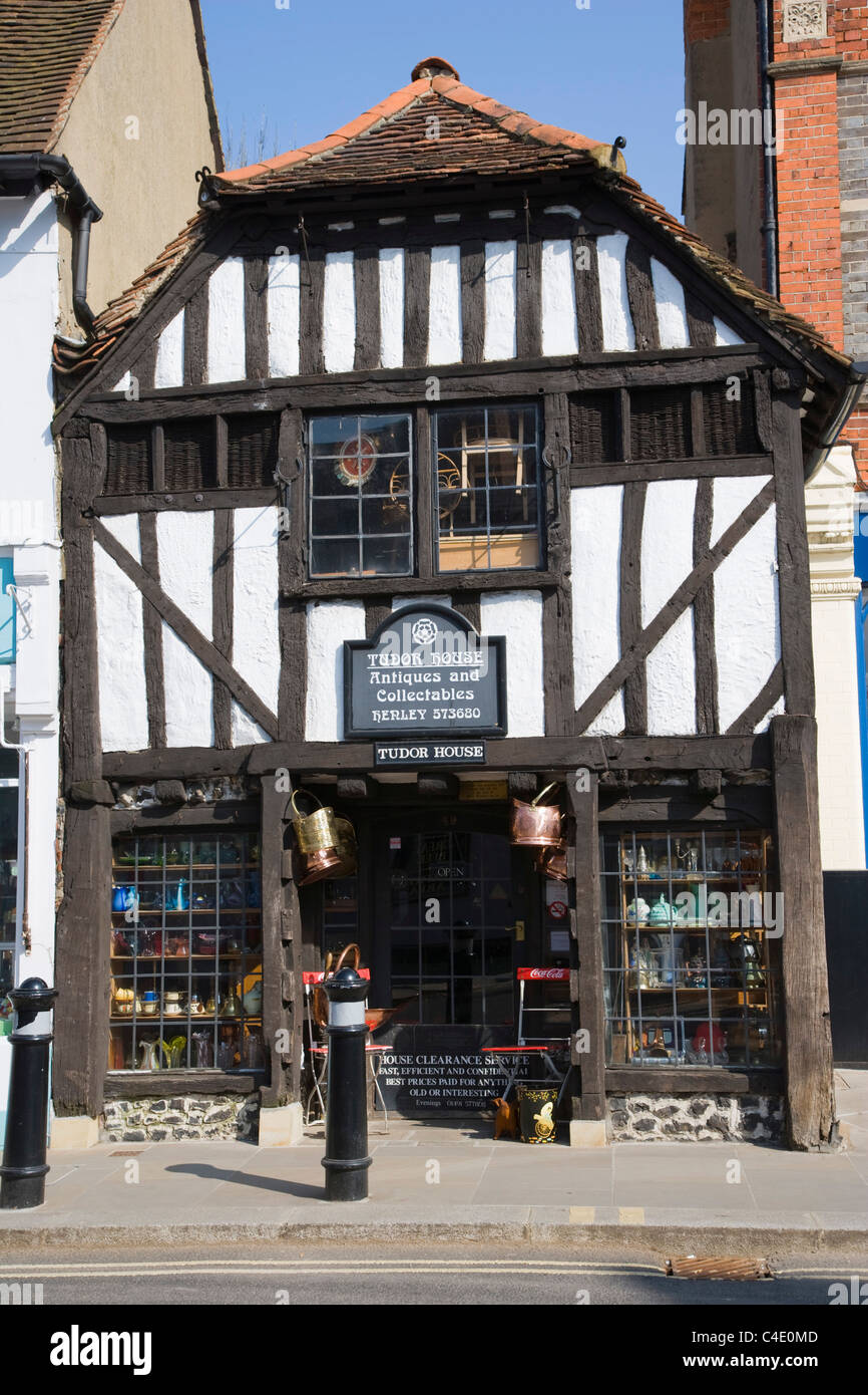 Tudor House, Antiques and collectables, Duke Street, Henley-on Thames, Oxfordshire, England, UK - Stock Image