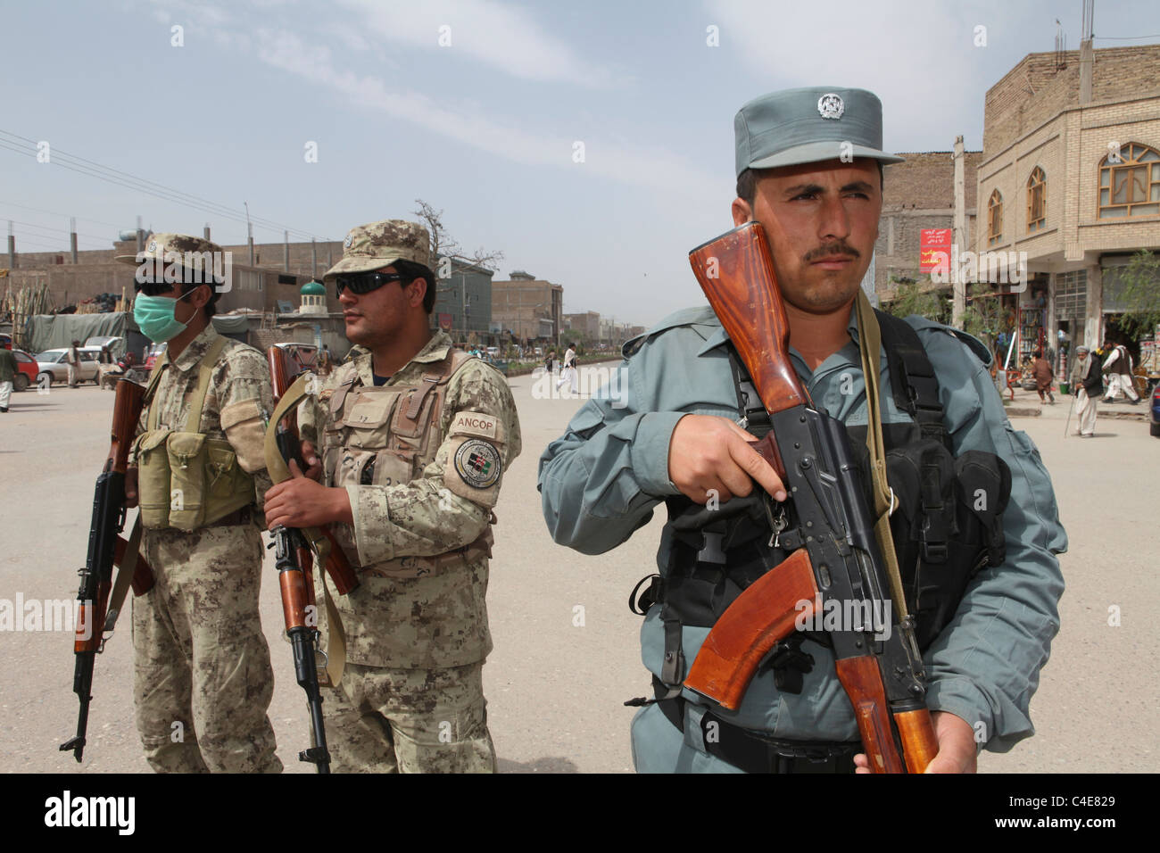 Afghan police and military patrol in Kabul - Stock Image