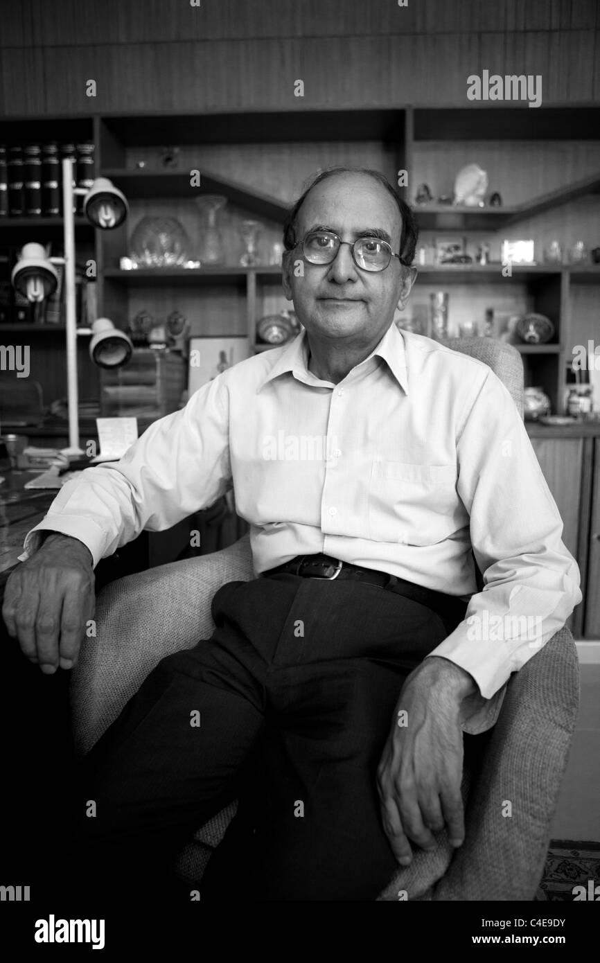 Hassan Askari Rizvi, Pakistani independent politcal analist. - Stock Image
