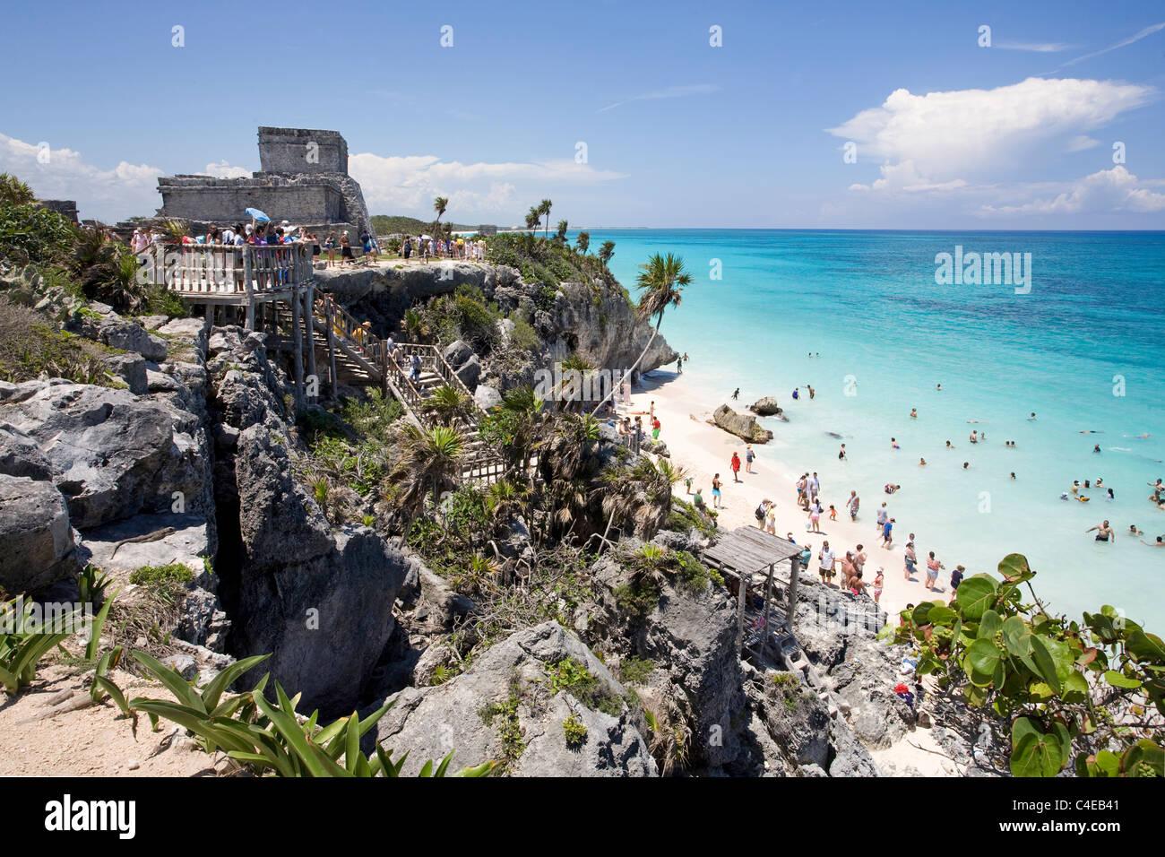 Maya ruins at Tulum, temple ruins above beach, Yucatan,Carribean sea, Mexico - Stock Image