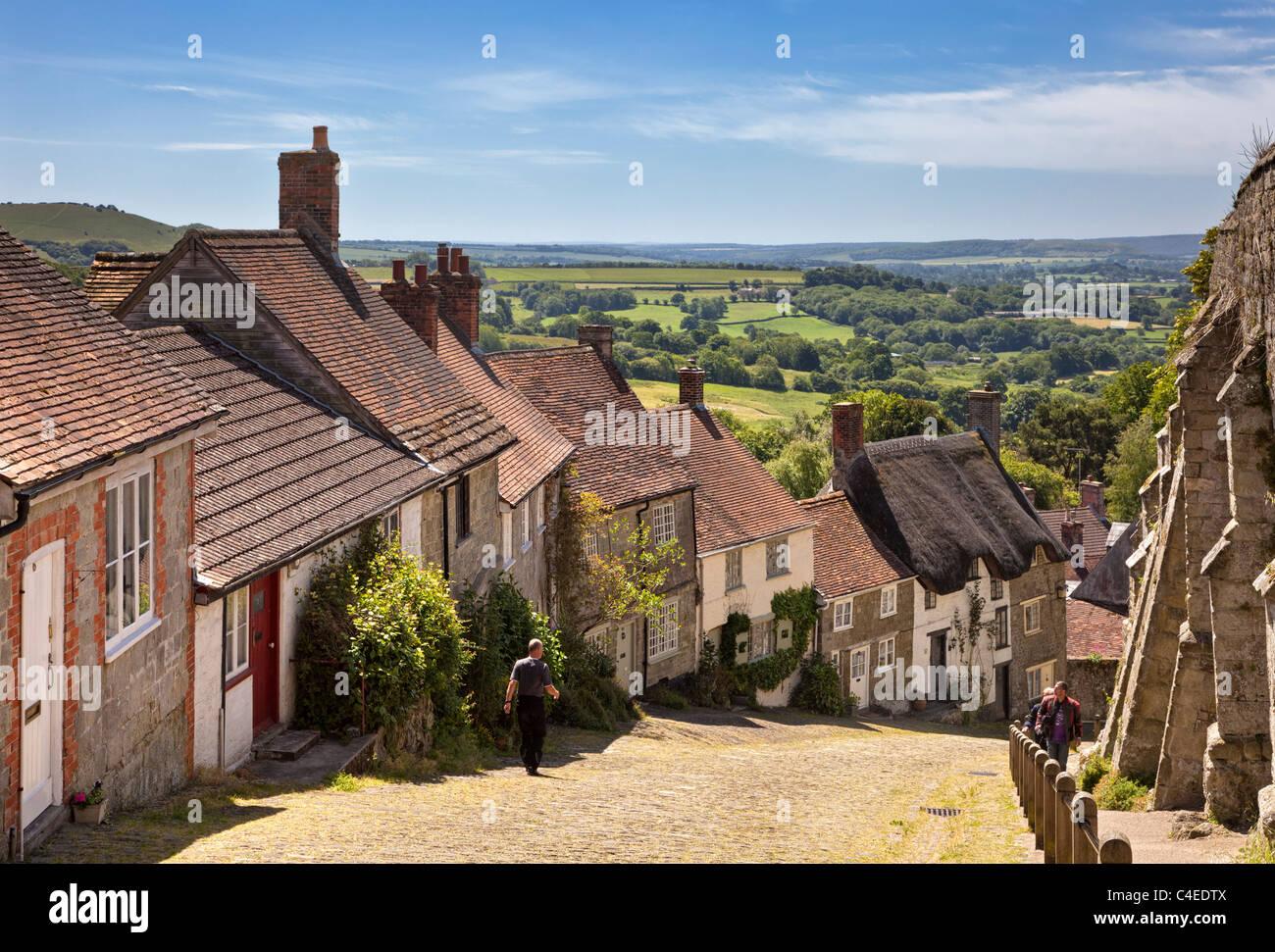 Dorset UK - Gold Hill, Shaftesbury, Dorset, England, UK - Stock Image