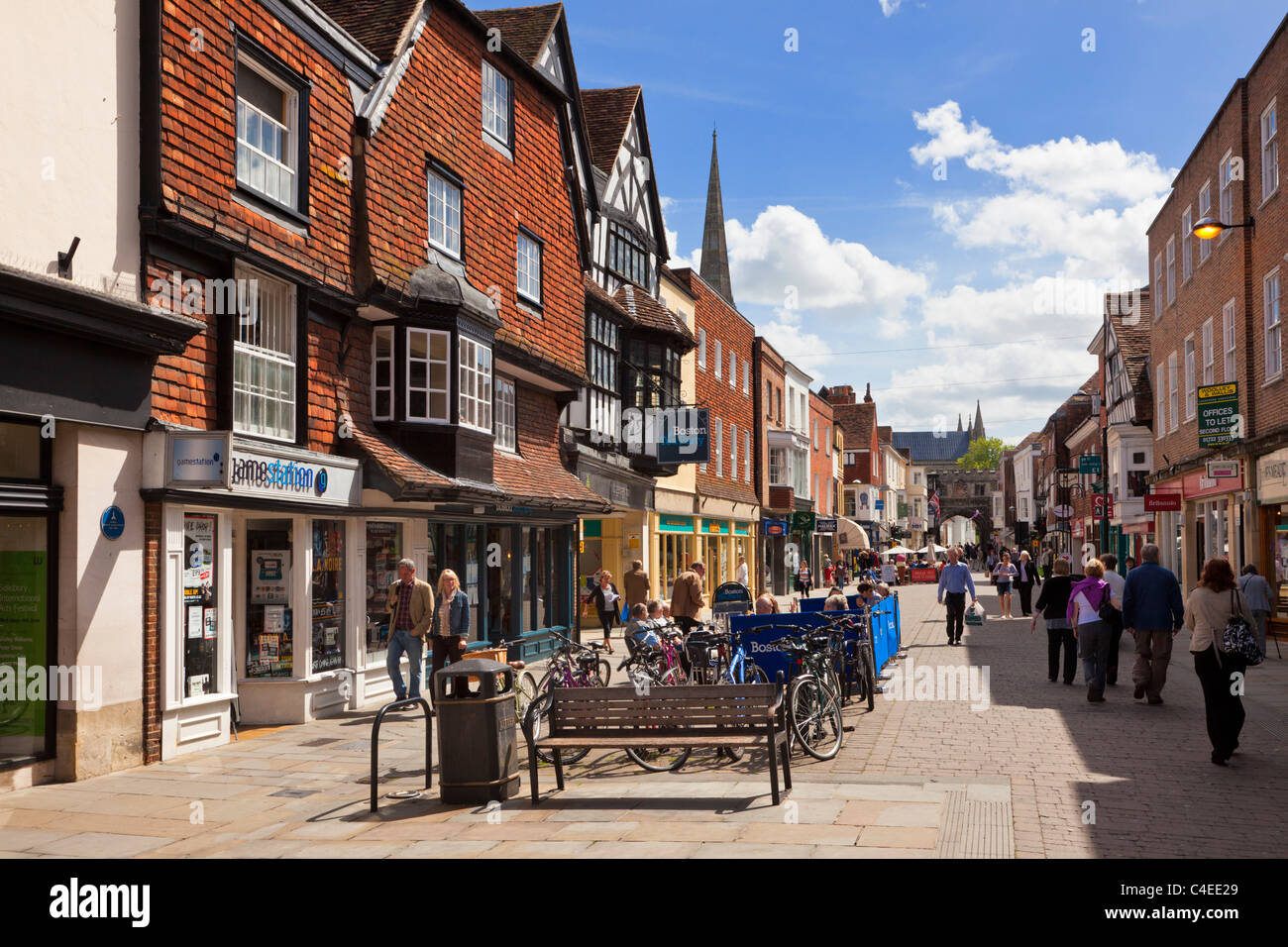 Shoppers in the High Street in Salisbury, Wiltshire, UK - Stock Image